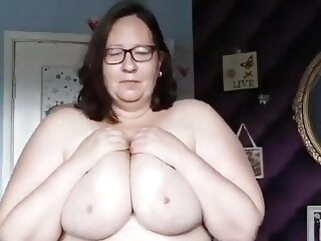 British Milf has a Juicy Body Built for BBC Doggy Breeding porntv bbw mature interracial