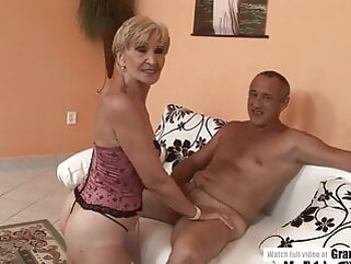 Amateur Mature Squirting And Getting Fucked Hard porntv blowjob hardcore mature